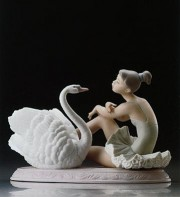 """Grace and Beauty"" Glazed Porcelain Figurine by Llardro"