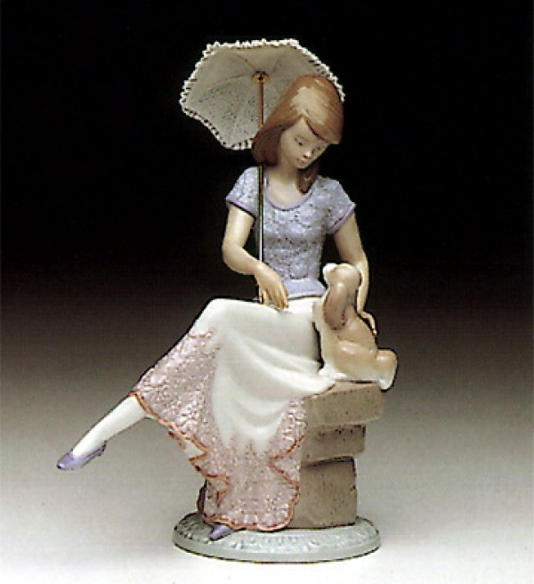 """Picture Perfect"" Glazed Porcelain Figurine by Llardro"